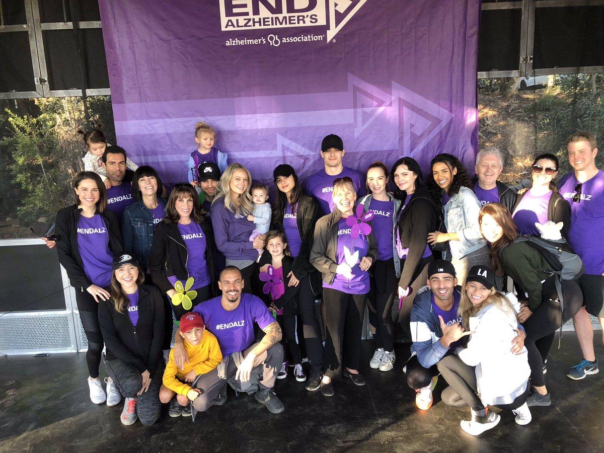 Молодые и Дерзкие на 2018 Walk to End Alzheimer's Drgbks10