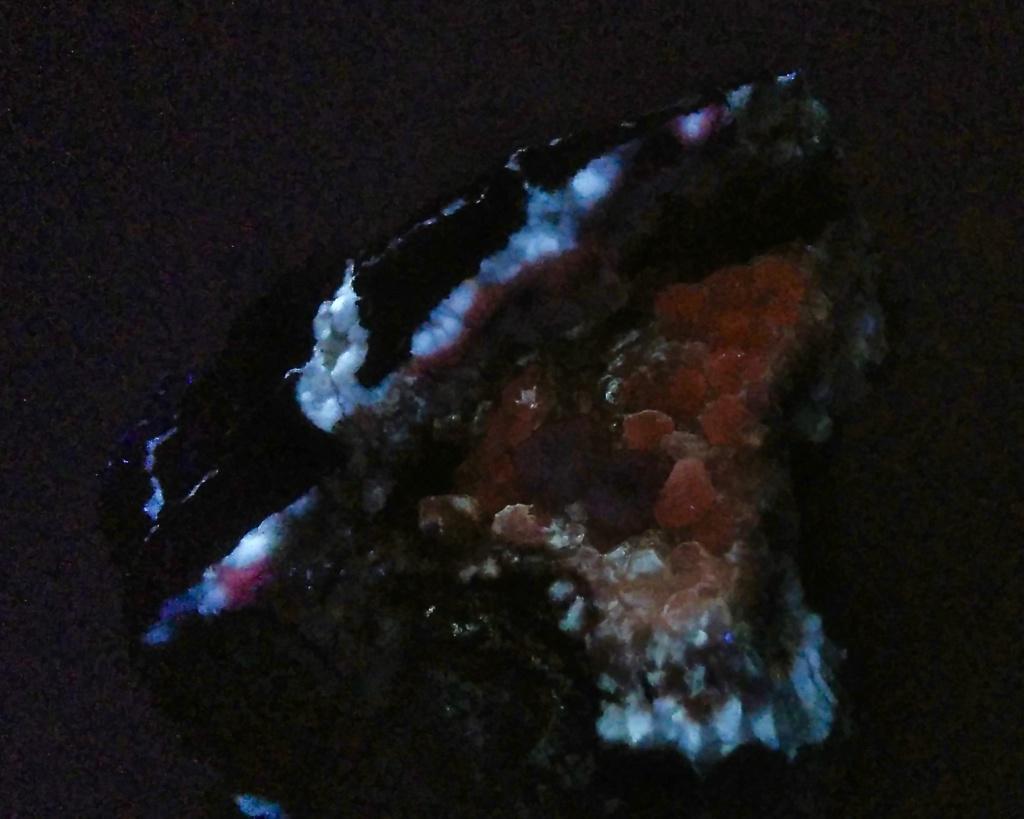 Colección de Minerales Fluorescentes - Página 5 Fullsi15