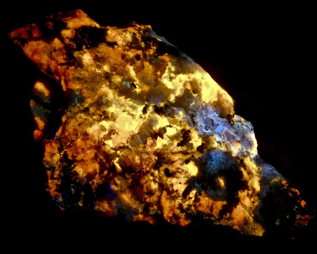 Colección de Minerales Fluorescentes - Página 6 Fullsi22