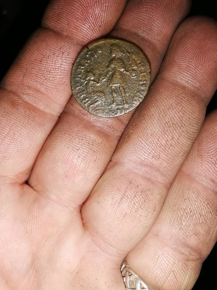 AE2 de Valentiniano II. REPARATIO REIPVB. Siscia 46156010