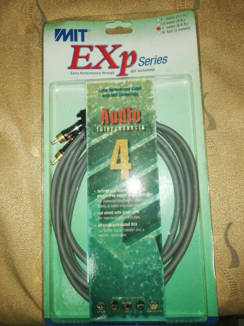 MIT Exp Series - Audio Interconnects 4 2m Whatsa19