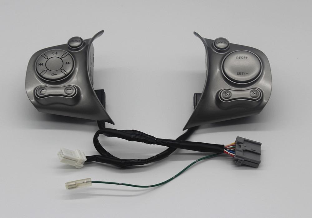 Controle de volante para central multimídia no old March Steeri12
