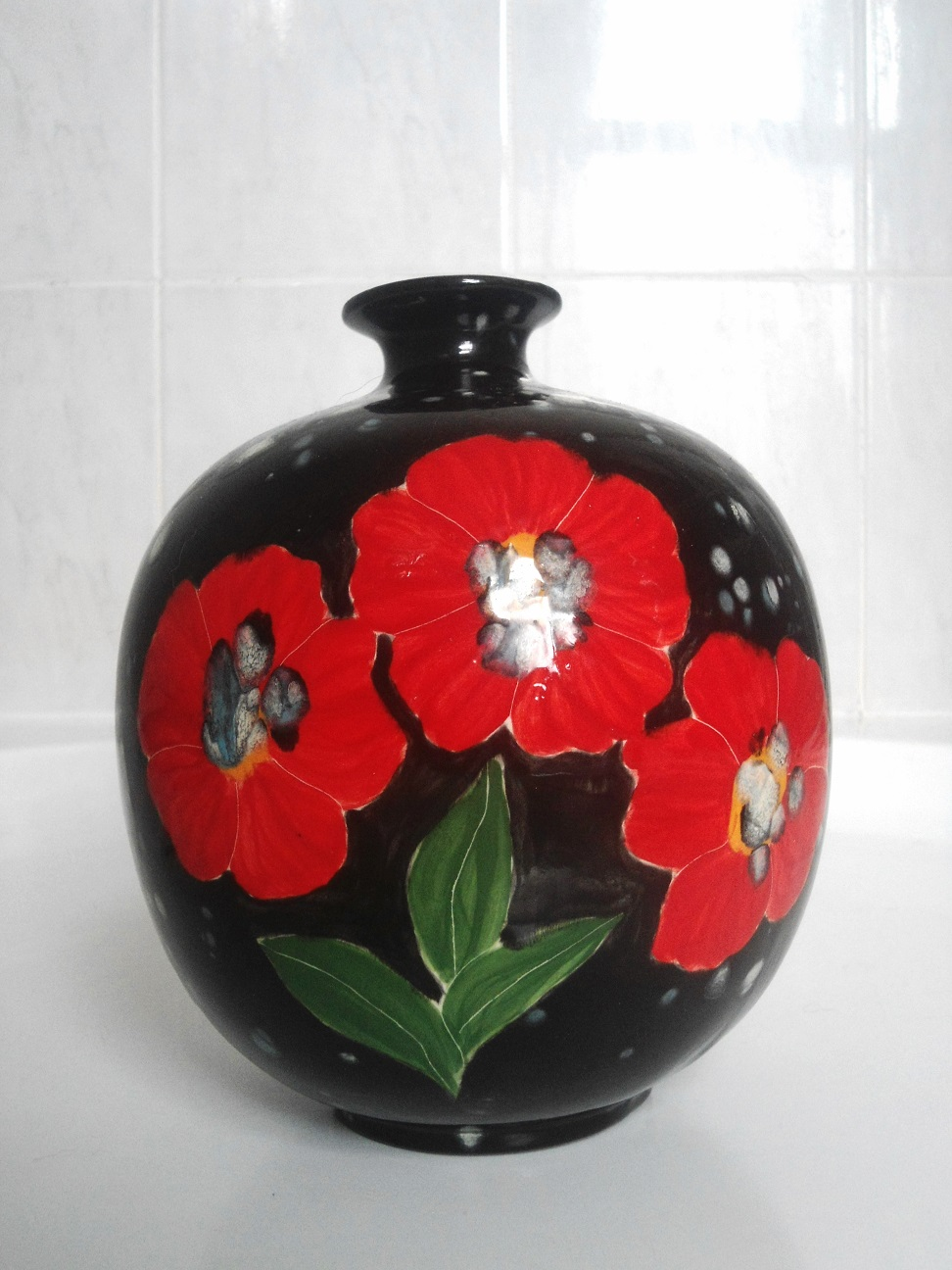 help with poppy vase signed smy 2005 Aviary13