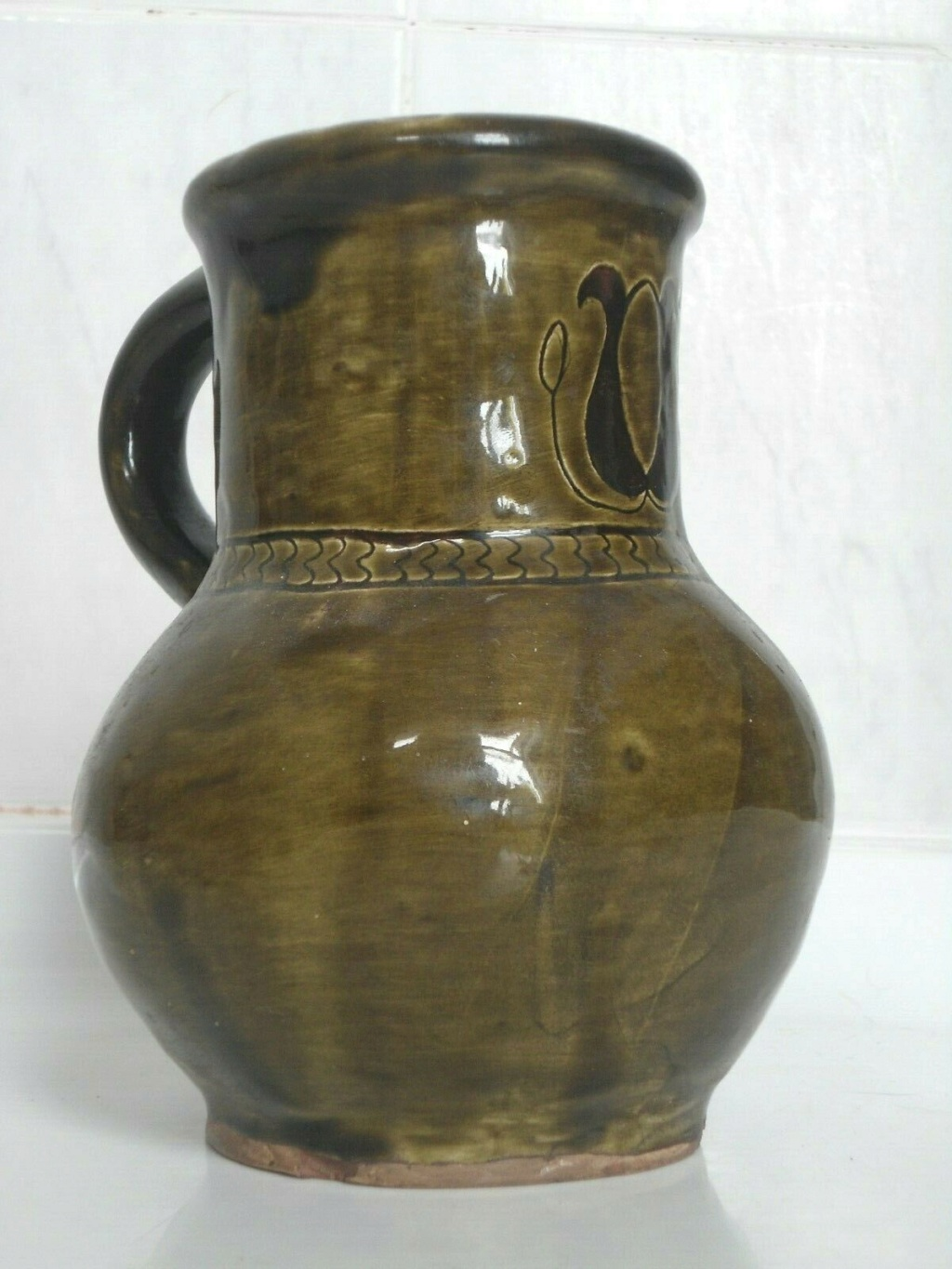 studio pottery jug tulip mark Green110