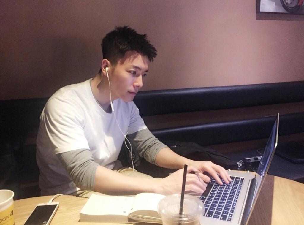[Secret] Donghae KKT photos  Img_2028