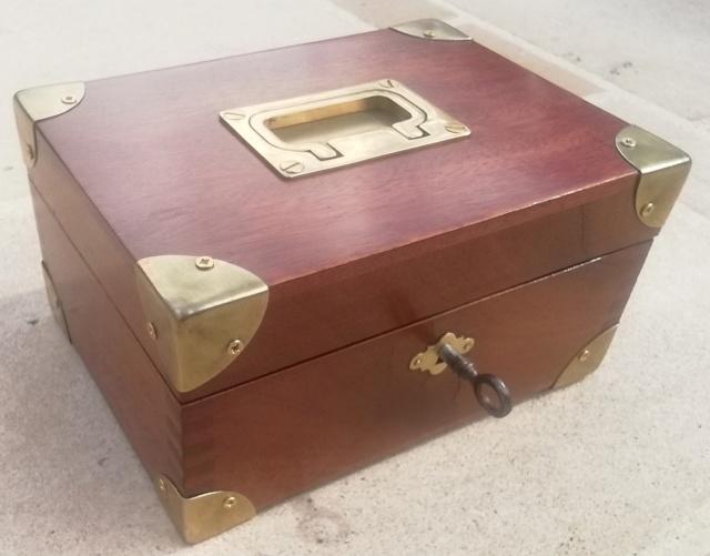Boîte médaillier en Acajou  Img_2179