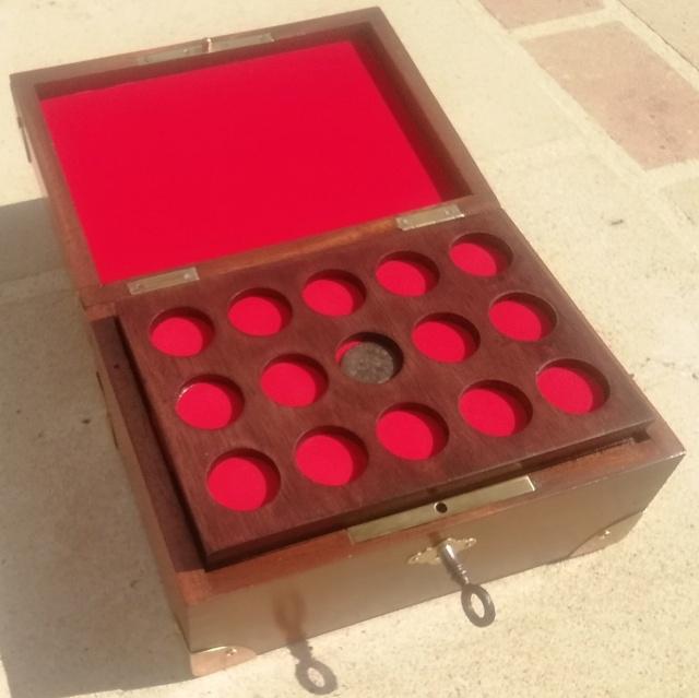 Boîte médaillier en Acajou  Img_2180