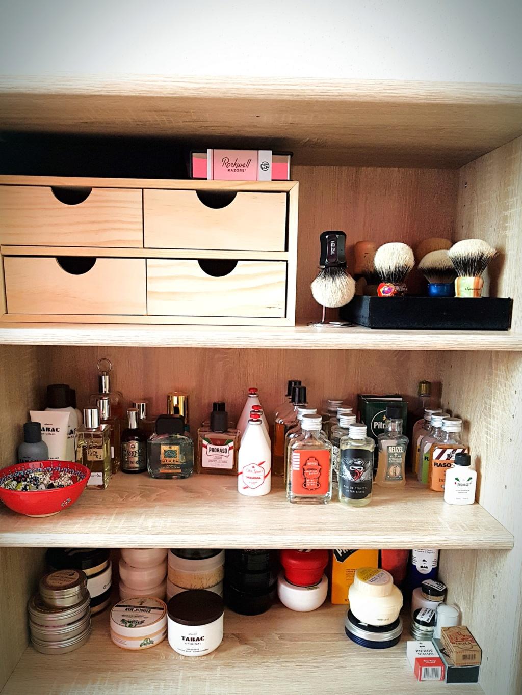 Photos de votre armoire spéciale rasage (ou de la partie réservée au rasage) - Page 29 2020-010