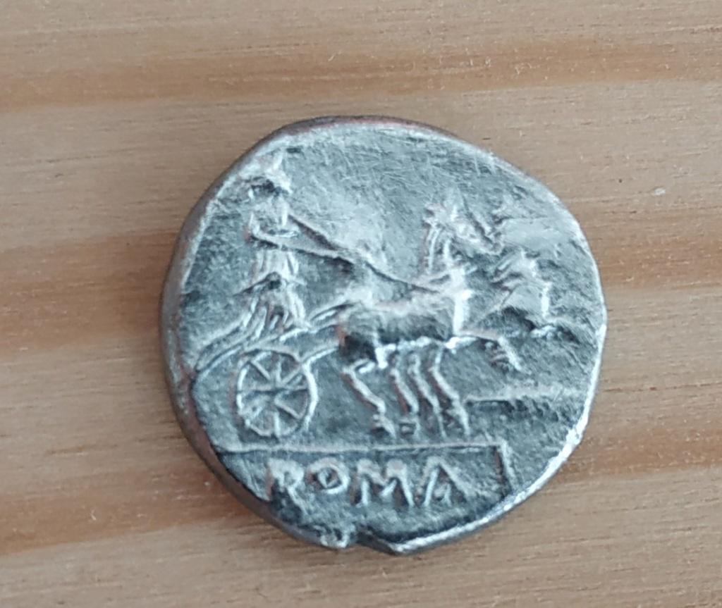 Denario anónimo. ROMA. La Luna en biga. Img_2012