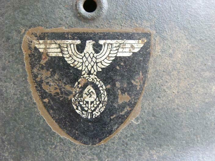 Casque RAD brun repeint insigne détouré  Image-11