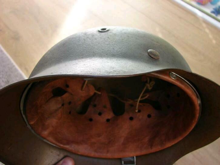 Casque RAD brun repeint insigne détouré  Image-15