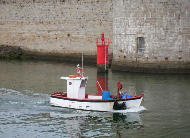 [VIE DES PORTS] Quelques bateaux de pêche (sur nos côtes Françaises) - Page 2 07_07103