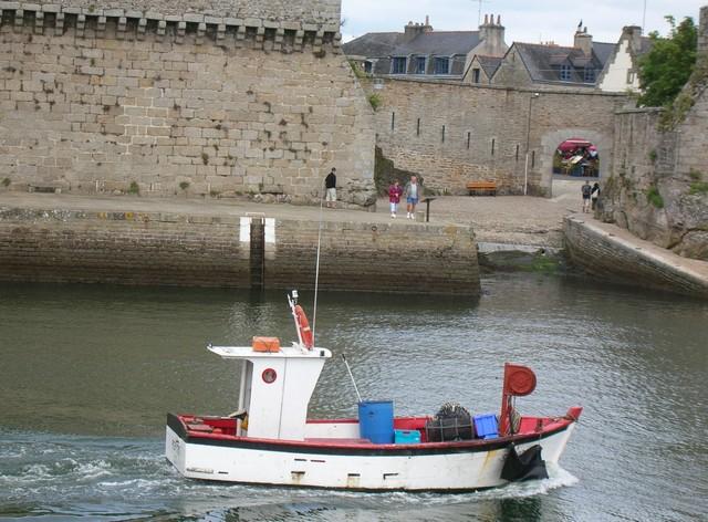 [VIE DES PORTS] Quelques bateaux de pêche (sur nos côtes Françaises) - Page 2 07_07104