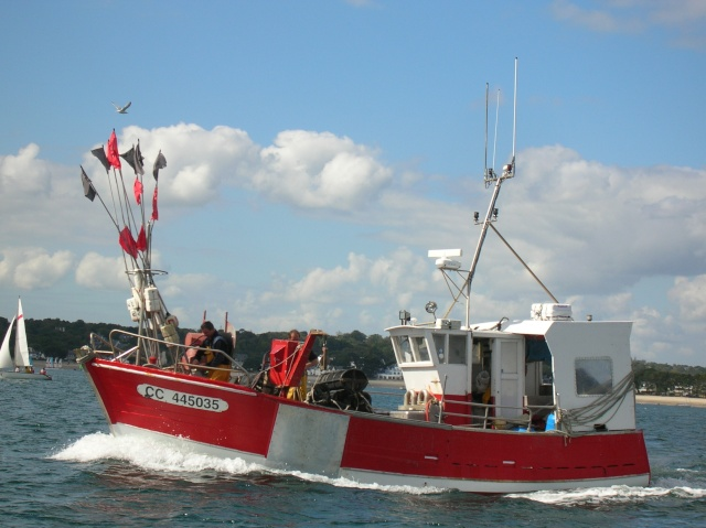 [VIE DES PORTS] Quelques bateaux de pêche (sur nos côtes Françaises) - Page 3 18_09_12