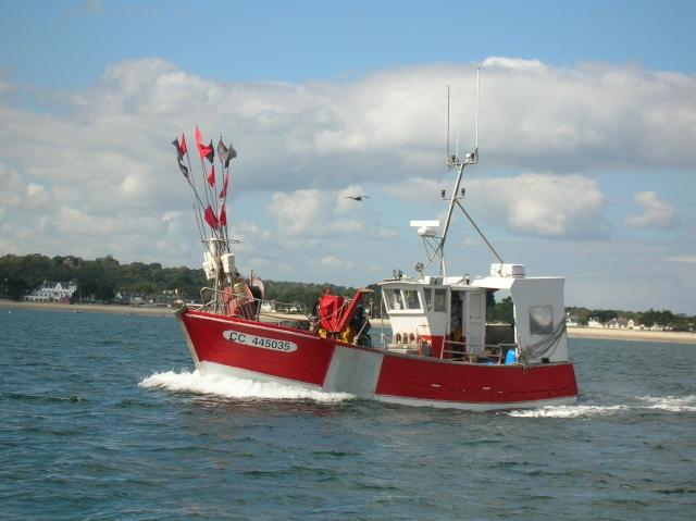 [VIE DES PORTS] Quelques bateaux de pêche (sur nos côtes Françaises) - Page 3 18_09_13