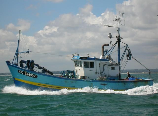 [VIE DES PORTS] Quelques bateaux de pêche (sur nos côtes Françaises) - Page 3 24_07_13