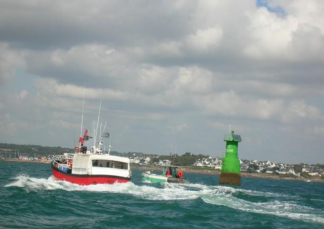 [VIE DES PORTS] Quelques bateaux de pêche (sur nos côtes Françaises) - Page 3 24_07_17