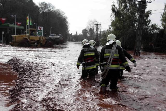 Catastrophe écologique en Hongrie Hongri10