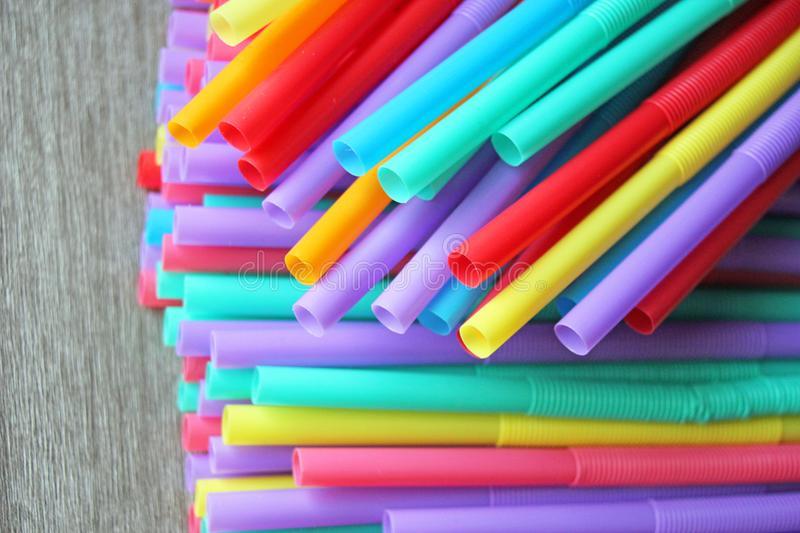 Jeu du multicolore - Page 3 Straw-10