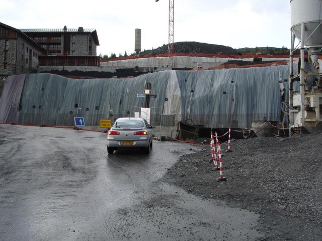 [LaRosière]Vaste programme de construction dans la station Dsc02519