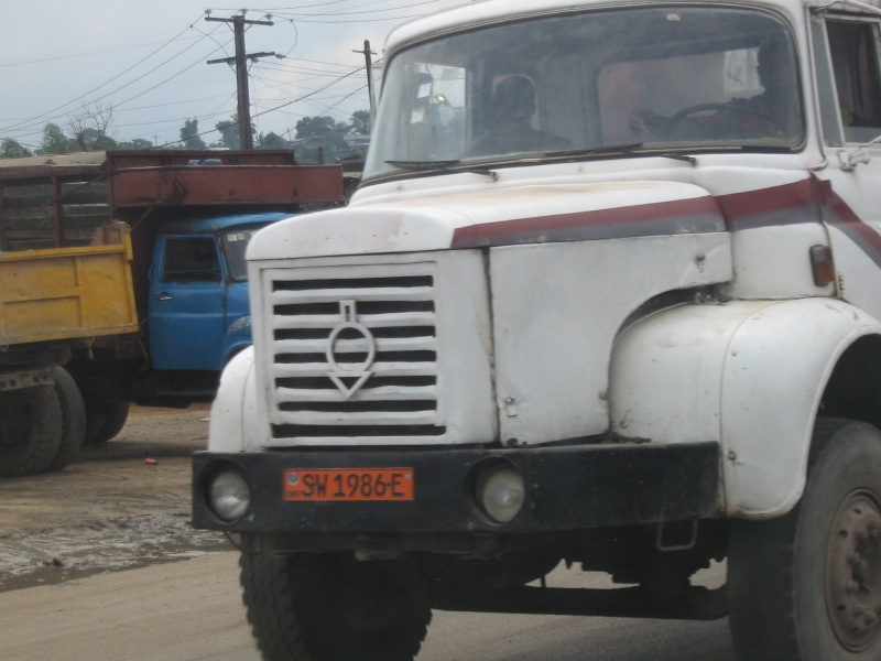 le métier de camionneur en Afrique ? Dubois14