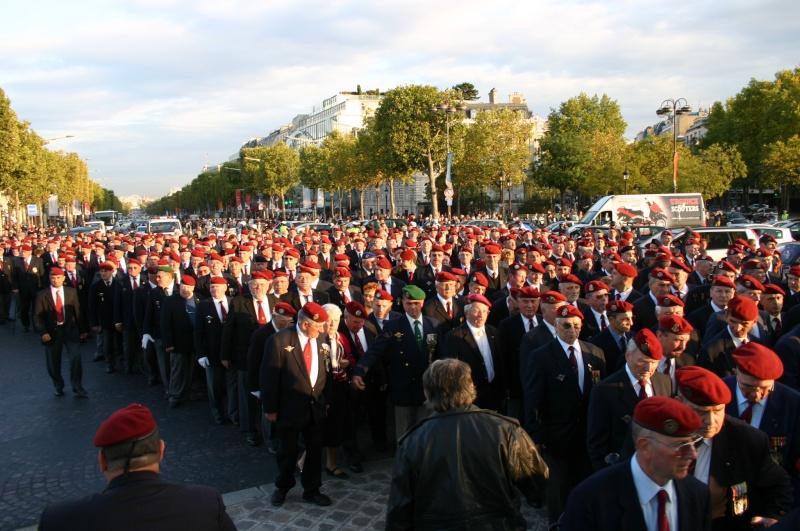2007 - QUATRE GENERATIONS PARACHUTISTES DU FEU pour la St MI Etoile10