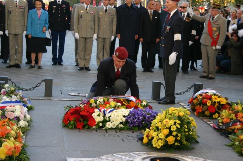 2007 - QUATRE GENERATIONS PARACHUTISTES DU FEU pour la St MI Etoile11