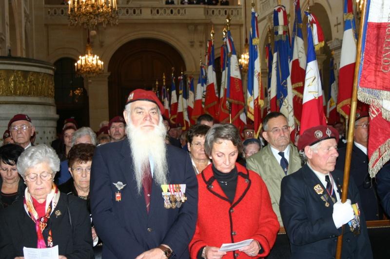 2007 - QUATRE GENERATIONS PARACHUTISTES DU FEU pour la St MI Invali10