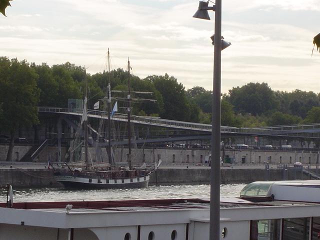 [Marine à voile] LA BOUDEUSE A PARIS Dsc01210