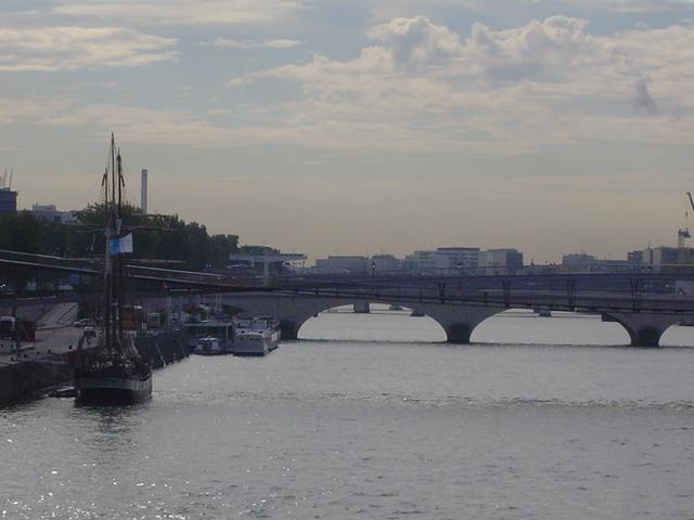 [Marine à voile] LA BOUDEUSE A PARIS Dsc01212