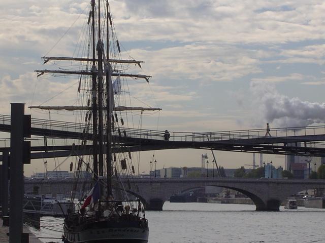 [Marine à voile] LA BOUDEUSE A PARIS Dsc01213