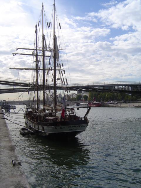 [Marine à voile] LA BOUDEUSE A PARIS Dsc01214