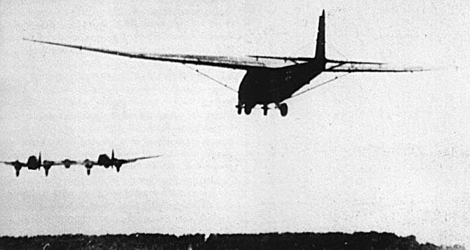 Planeurs géants allemands - Ju-322, Me-321 & 323 - Page 2 Heinke12