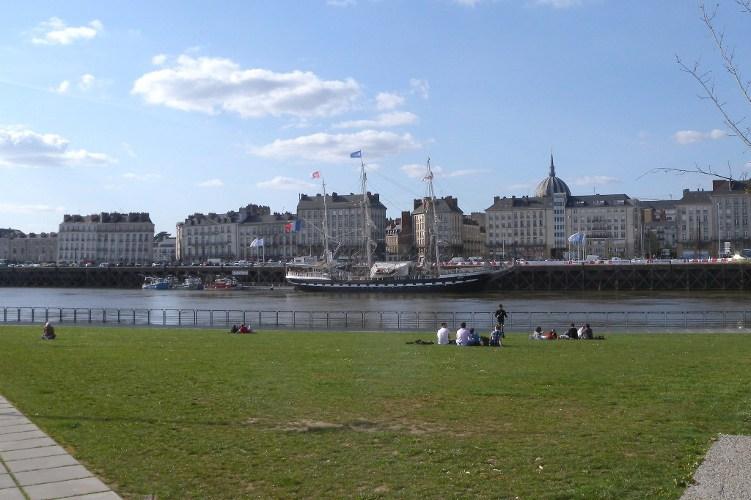 Des grands voiliers dans le port de Nantes T_108010