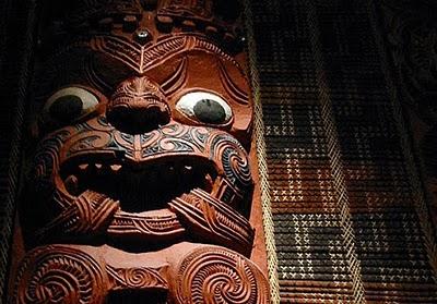 Symboles et sculptures Maori...  Demaca10