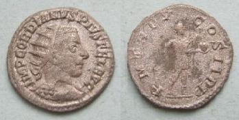 PAX avec une couronne/coiffe sur un anto de Gordien III ? - Page 2 Pmtrpv10