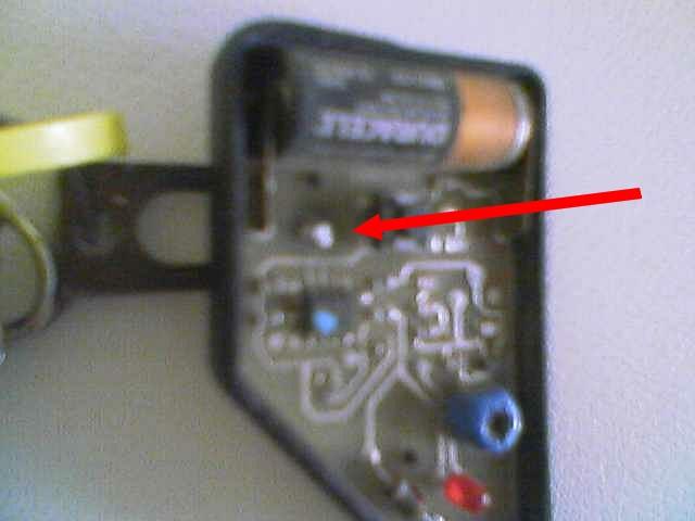 [BMW 325 i E36] Problème de boîtier de télécommande cassé Img07011