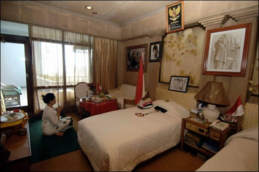 L'éternel mystère de la chambre 327 de l'hôtel Bali Beach Conten10