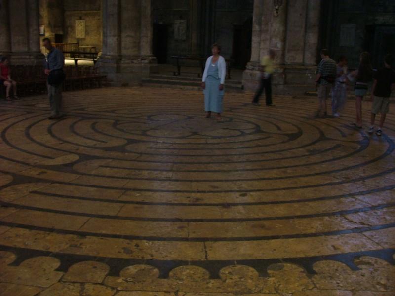 Le labyrinthe de Chartres : miroir du Sentier Photom11