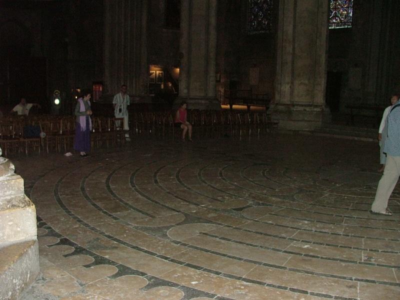 Le labyrinthe de Chartres : miroir du Sentier Photom12