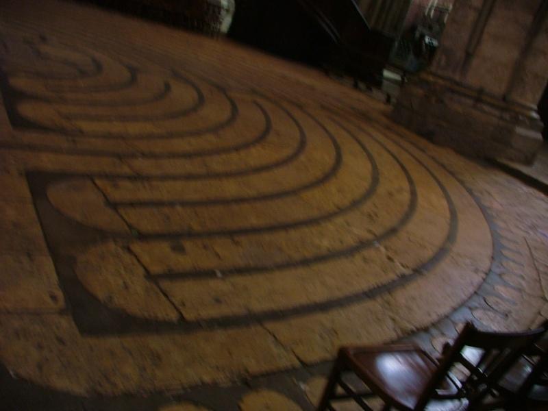 Le labyrinthe de Chartres : miroir du Sentier Photom14