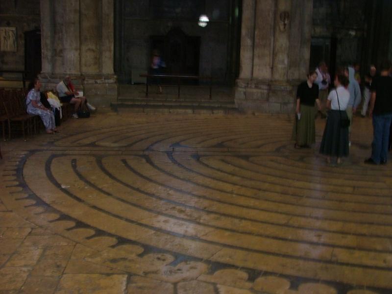 Le labyrinthe de Chartres : miroir du Sentier Photom16