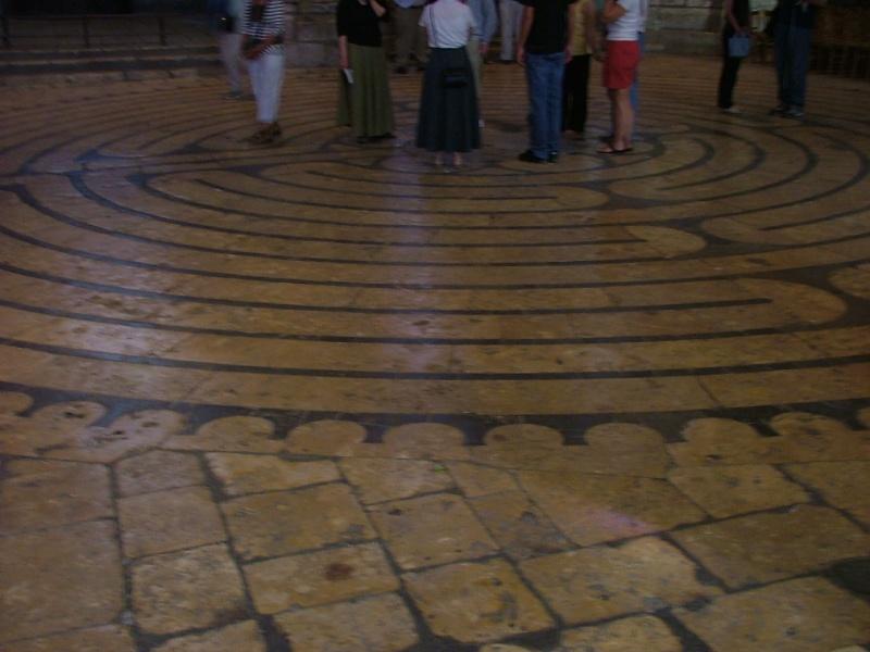 Le labyrinthe de Chartres : miroir du Sentier Photom17