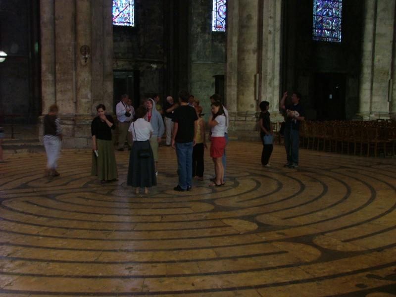 Le labyrinthe de Chartres : miroir du Sentier Photom18