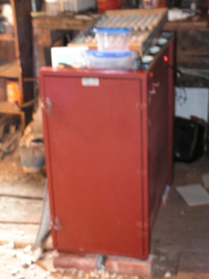 Trouvé vielle couveuse automatique Voliar10