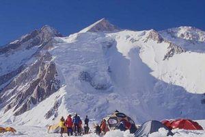 Les 14 sommets de plus de 8 000 mètres 300px-17