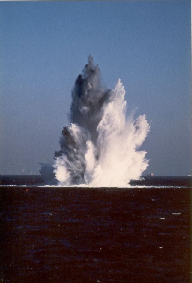 [Plongeurs démineurs] PLONGEURS DÉMINEURS Mine0610