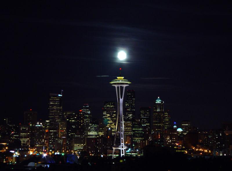 Le Space Needle de Seattle, USA 800px-10