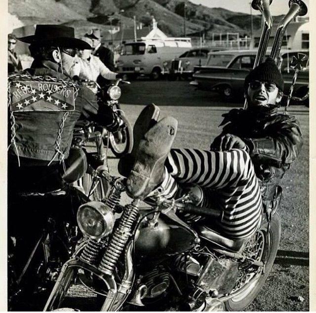 Biker et fier de l'être - Page 14 87036510