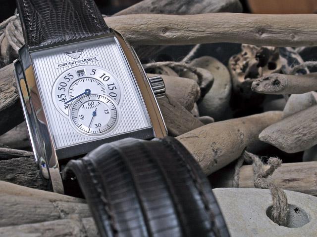 On voit ici et là des montres à moteurs mixtes Armani10